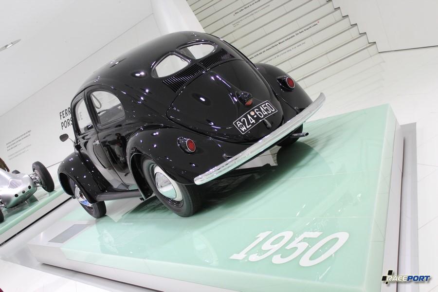 Volkswagen Kafer 1950 г.в. Двигатель 4 цил. 1131 куб см 25 л.с. 105 км/ч