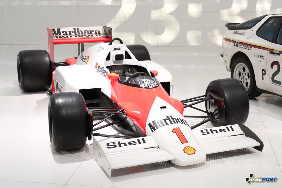 McLaren TAG MP4/2 C Formula 1 1986 г. в. Двигатель V6 цил., объем 1499 куб см, мощность 850 л. с., макс. скорость 350 км/ч