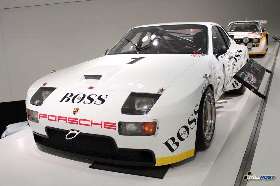 Porsche 944 1981 г. в. Двигатель турбированный 4 цил., объем 2479 куб см, мощность 410 л. с., макс. скорость 300 км/ч, вес 956 кг