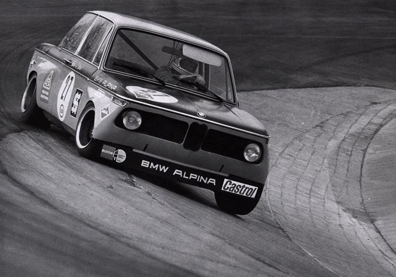 1971 год Нюрбургринг BMW 2002 в версии Альпина