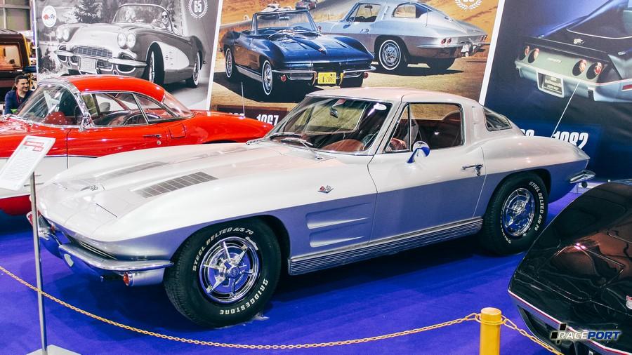2е поколение Chevrolet Corvette C2 Sting Ray 1963 г. в.
