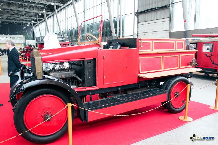Автонасос-линейка на шасси АМО-Ф15