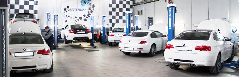 На фото у нас в работе сразу 4 BMW M3 E92 (это не постановочное фотография)