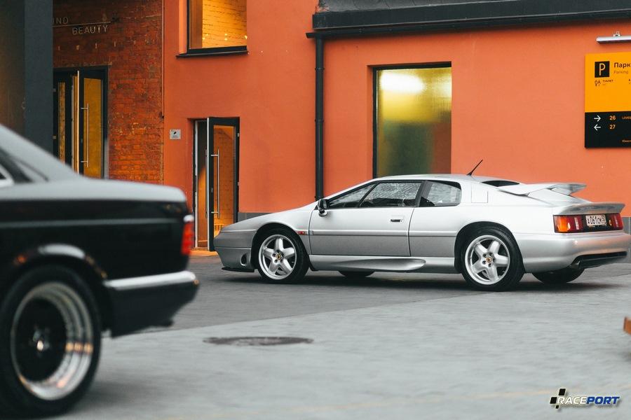 Lotus Esprit мы помним прежнего владельца, видимо сейчас автомобиль уже у другого человека.