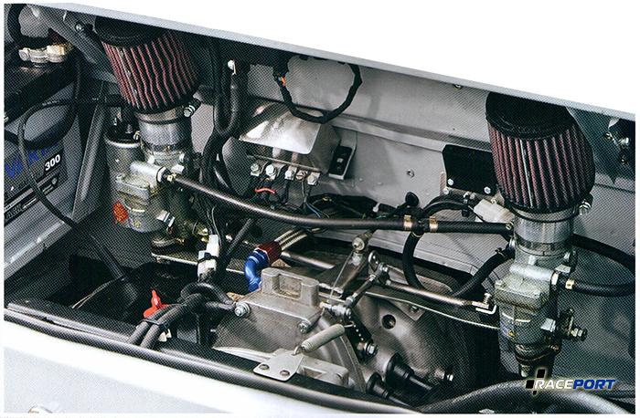Двигатель выглядит крошечным, потому что он такой и есть.