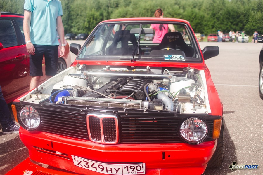 BMW E21 со свапнутым двигателем и маленькой турбинкой, с учетом веса думаю очень бодрая машинка