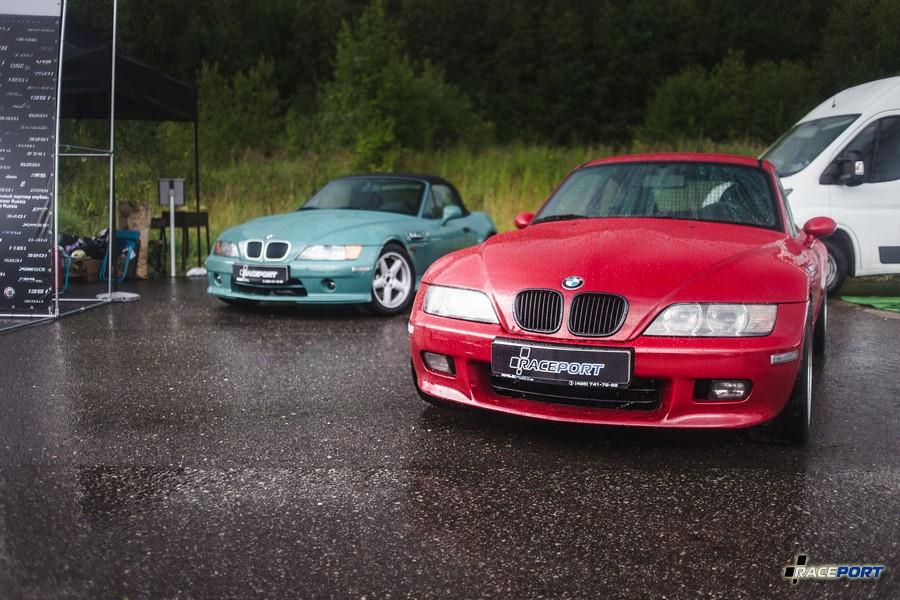 Наши Zетки Roadster в цвете Evergreen и Coupe Imola Red
