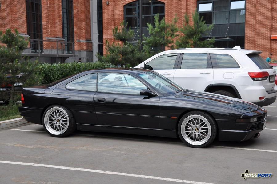 BMW 850CSi E31 - Raceport