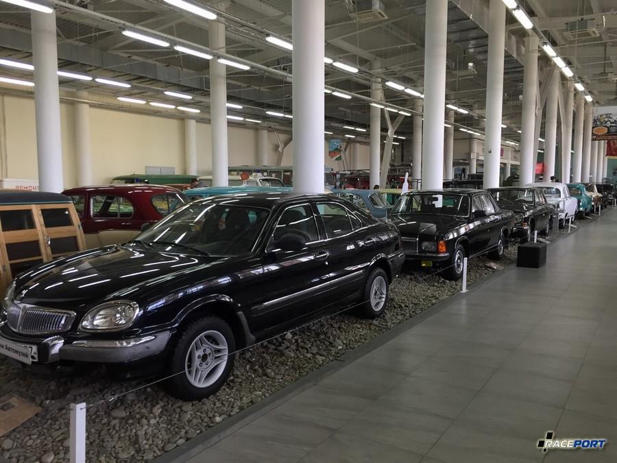 Четко прослеживается ухудшение дизайна автомобилей Волга с каждым поколением. В финале мы видим полный трындец