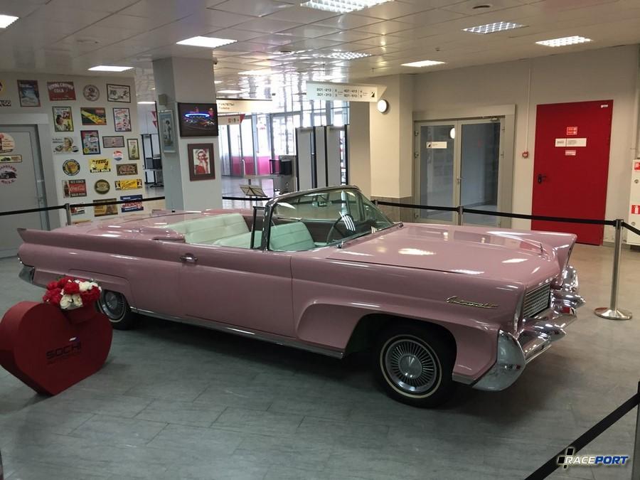 Cadillac Continental III
