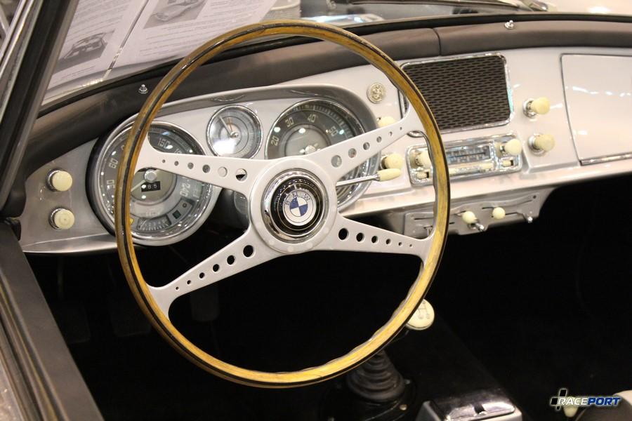 Приборная панель BMW 507 interior
