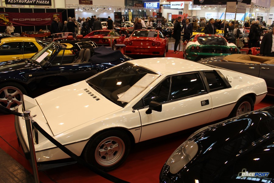 1979 Lotus Esprit S2 2.0; 160 л.с. 0-100 км/ч - 7,1 сек, 1020 кг; в модельный год 46 080 DM ( сейчас 65 000 Euro )