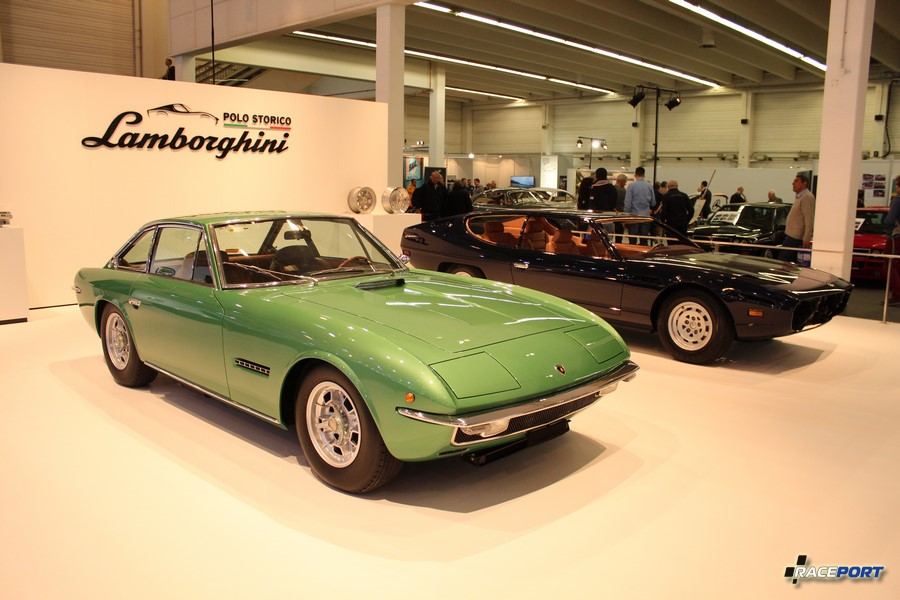 Стенд Lamborghini Polo Storico. На переднем плане Lamborghini Islero S 1969 г. в.
