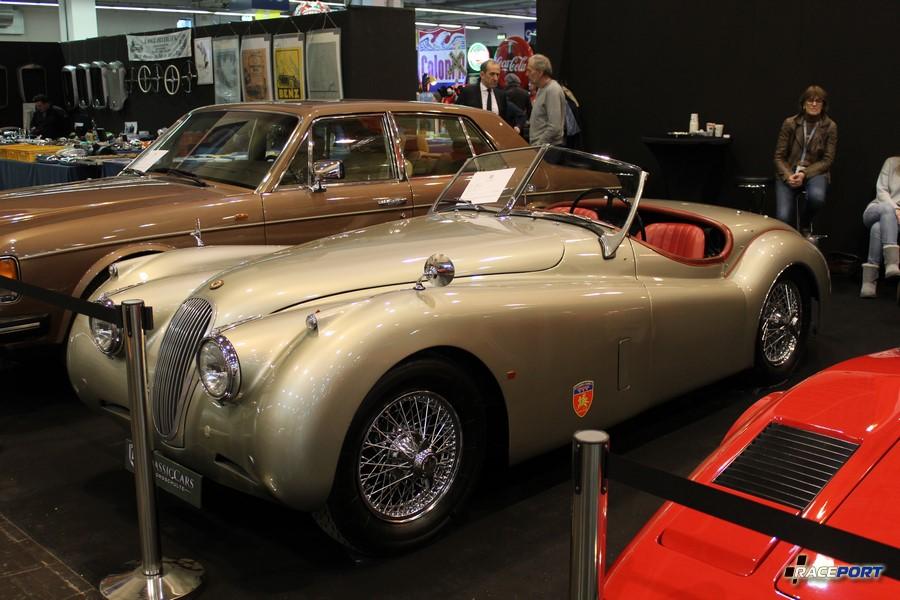1953 г. в. Jaguar XK 120 SE Roadster. Двигатель 3442 куб см, 6 цил, 180 л. с. 108 000 Euro