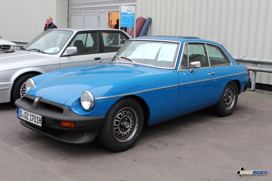 1976 MG GT; 25 900 Euro