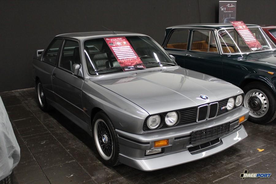 1989 BMW M3 E30; 86 000 km; 19 500 Euro