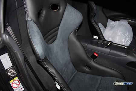 Установка сидений на Ауди Р8 - Recaro RS-G