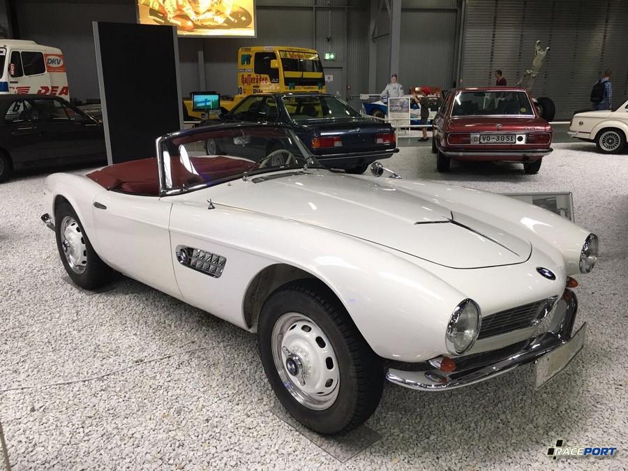 Наикрасивейший Roadster BMW 507, к сожалению во время нашего посещения музея БМВ весной 2017 года - эта модель не экспонировалась.