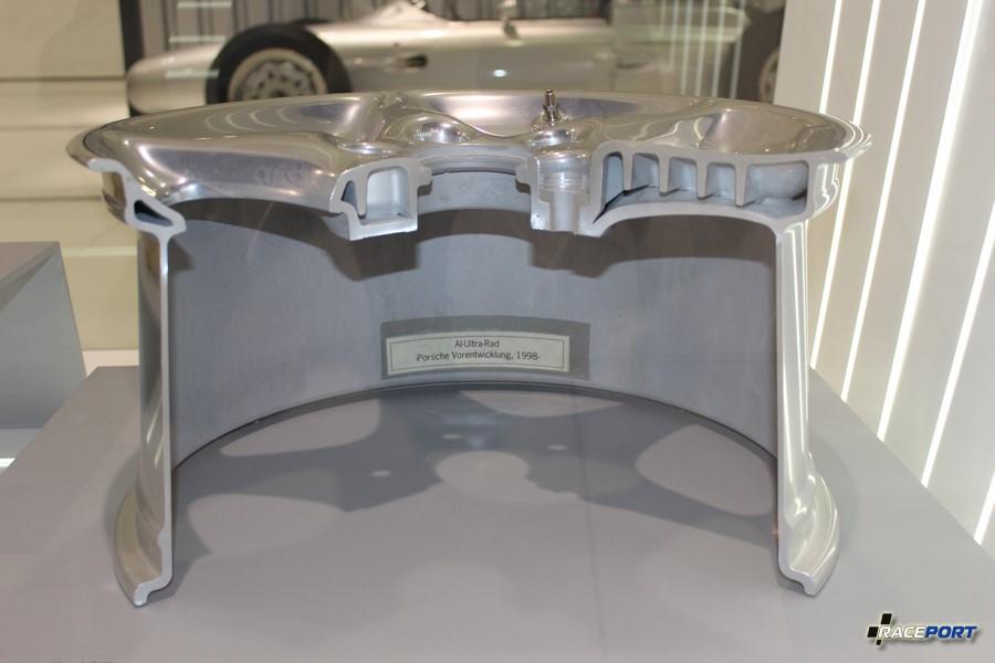 Колесный диски Porsche в разрезе