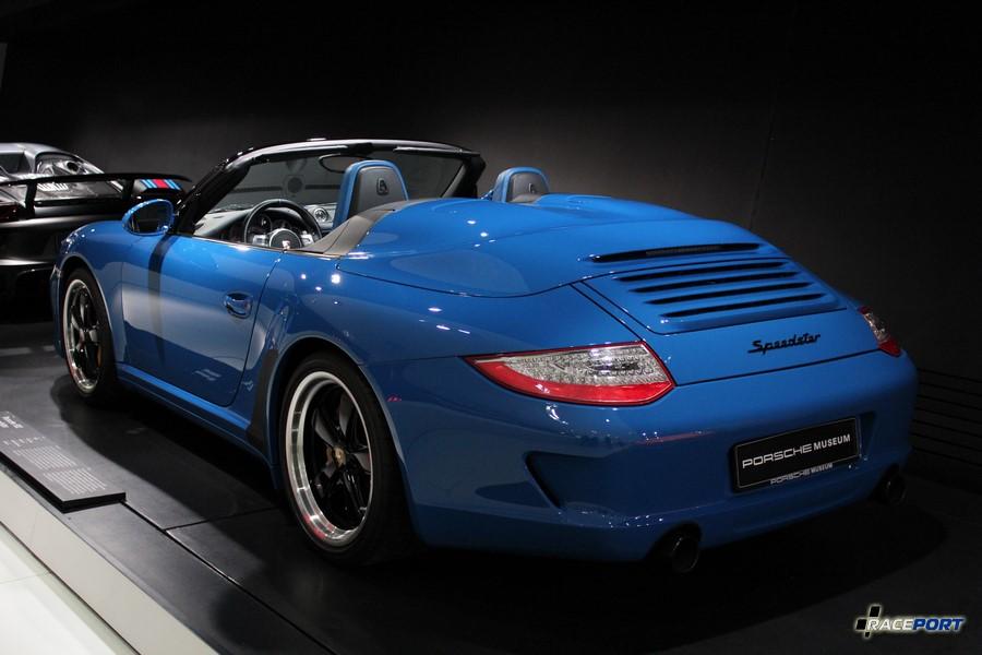 Porsche 911 Speedster 997 2010 г. в. Двигатель оппозитный 6 цил., объем 3800 куб см, мощность 408 л. с., макс. скорость 305 км/ч. Выпущено всего 356 автомобилей.