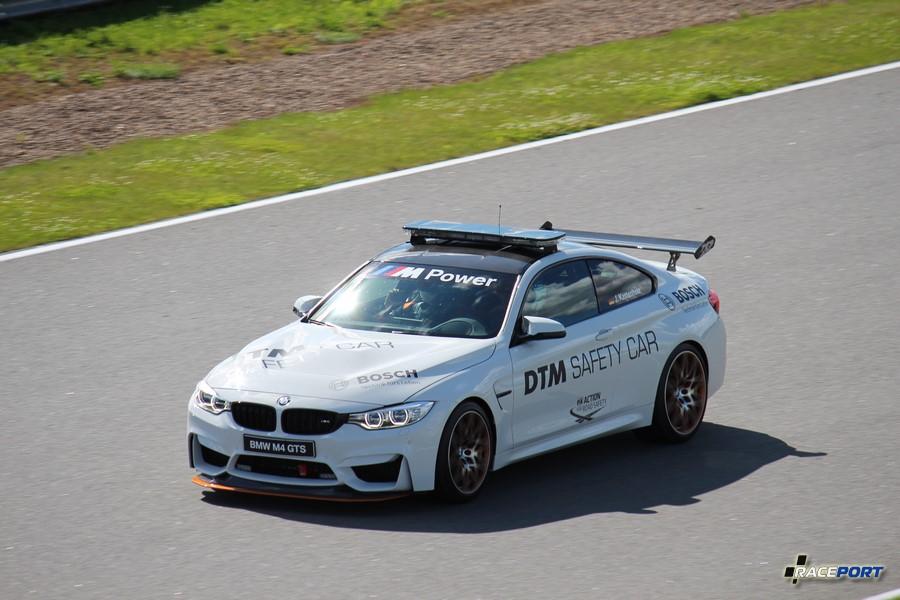 В этом году Safety-car в чемпионате DTM лимитированный автомобиль BMW M4 GTS.