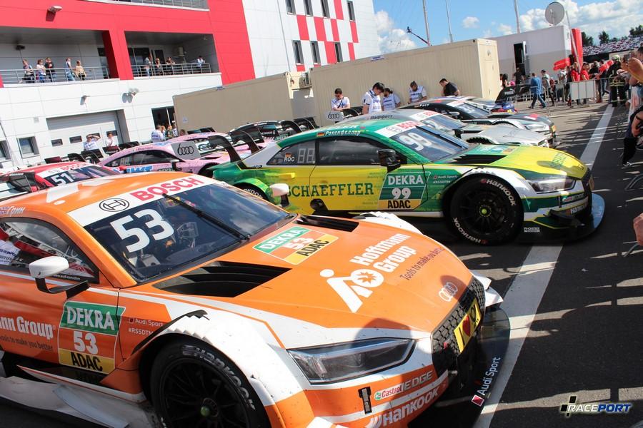 Закрытый парк автомобилей ДТМ после гонки.