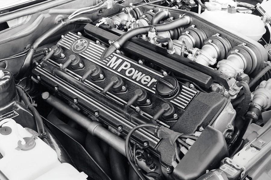 Двигатель от BMW M5 E28