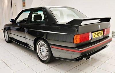 BMW M3 1987 Объем двигателя 2302 куб см, 195 л.с., пробег 307 049 км (49 950 Евро)