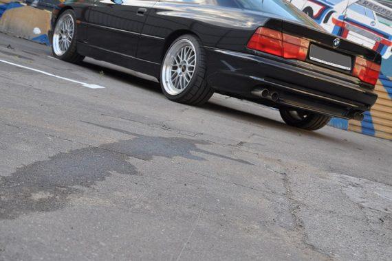 Фото BMW 850CSi из коллекции компании Рейспорт