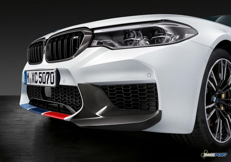 Акцентные молосы BMW M и карбоновые элероны Performance