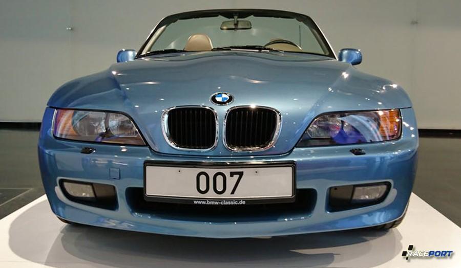 Вид спереди BMW Z3 с 4х цилиндровым двигателем