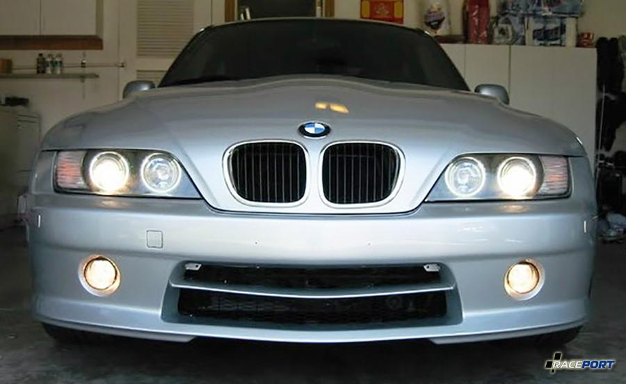 Вид спереди BMW Z3 с аэро пакетом