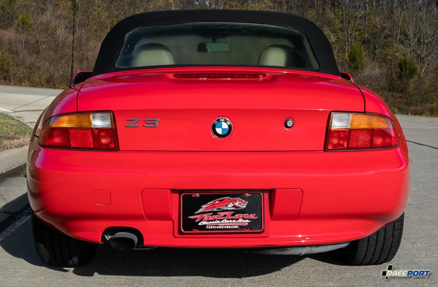 BMW Z3 Roadster вид сзади вариант дорестайлинг 4 цилиндра