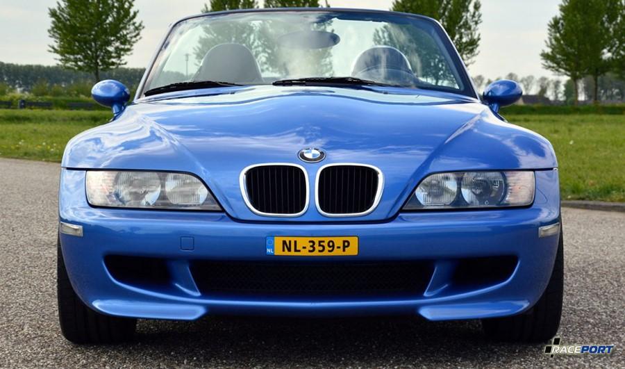 Вид спереди BMW Z3M без противотуманок