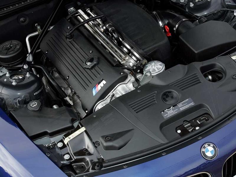 Шести цилиндровый двигатель BMW S54B32 как и на моделе М3 Е46