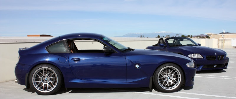 BMW Z4M Coupe в кузове E86 и на заднем плане Z4M Roadster E85