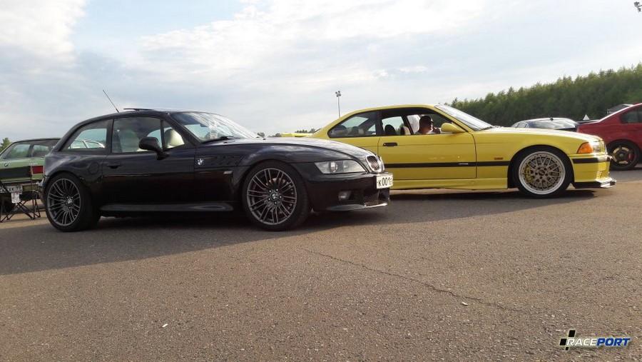 На дальнем плане BMW E36 М3 прошедшая частичный восстановительный процесс в нашей компании.