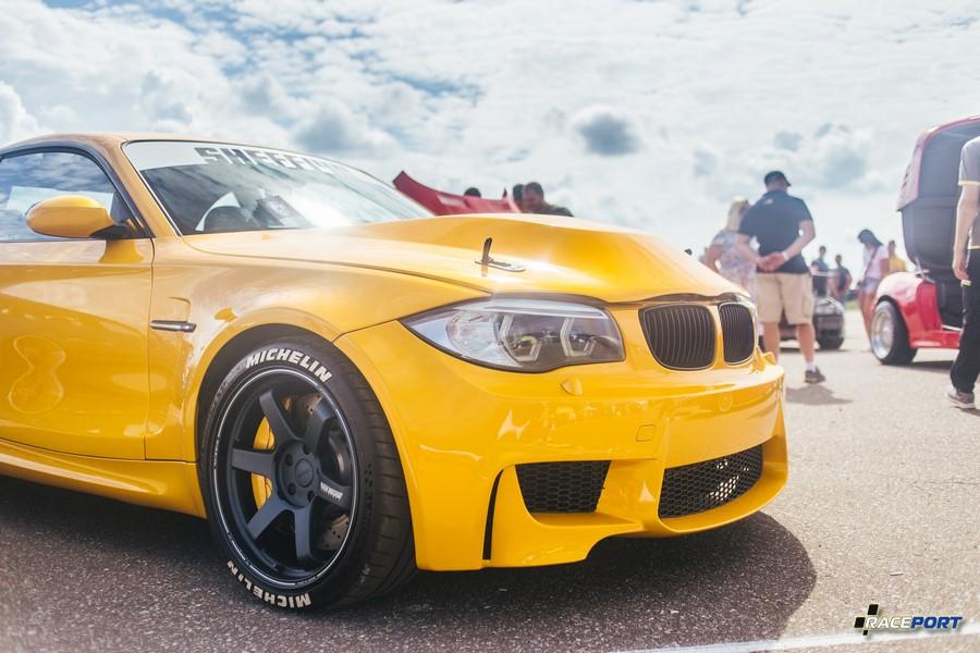 BMW 1 серии с начинкой X5M, когда мы развешивали этот автомобиль он показал не плохие показатели 51 на 49 %
