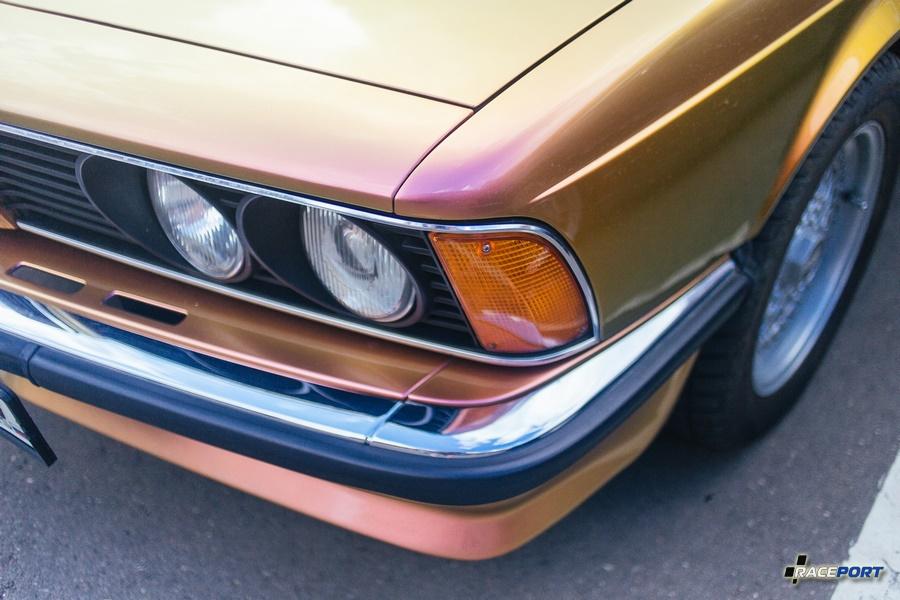 Окрас этой BMW E24 напоминает цветовую гамму TVR