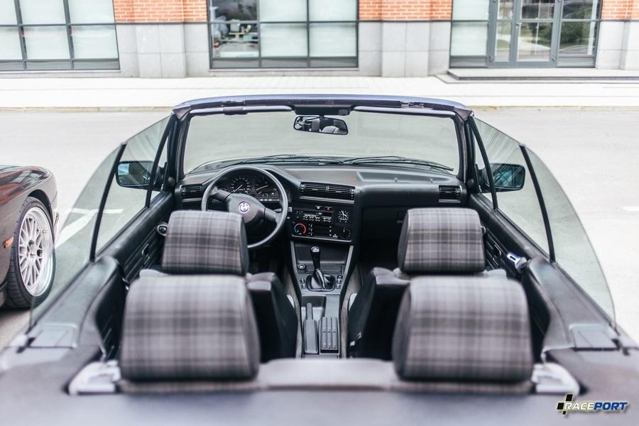 Кабриолет BMW 3 серии в кузове E30 клиента компании Рейспорт