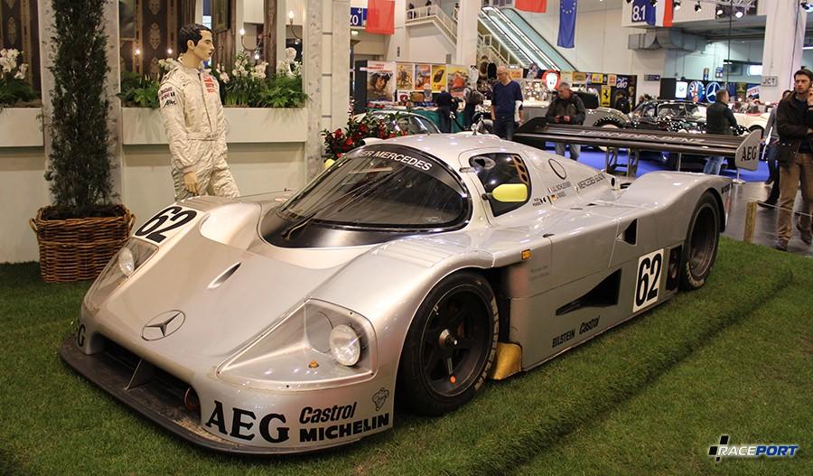 1989 Sauber - Mercedes C9; Engine V8, 4973 ccm, 720 Hp, 400 km/h; 900 kg