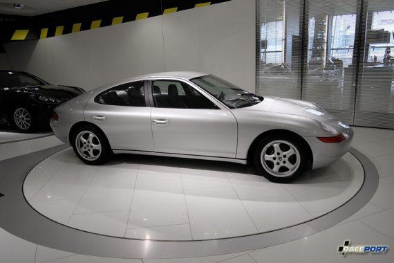 Porsche 989. Какой могла быть Panamera 25 лет назад.