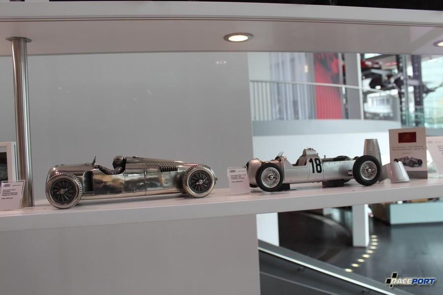 Отлично детализированные модели стоимостью 2800 евро, Мерседес в этом плане пошел дальше, но об этом позже. :)