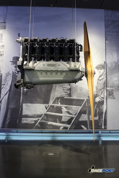 Авиационный двигатель BMW.