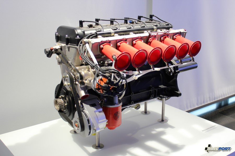 Двигатель M49 от Batmobile E9