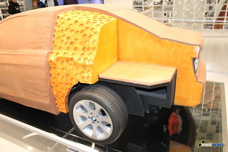 Макет BMW в пластилине
