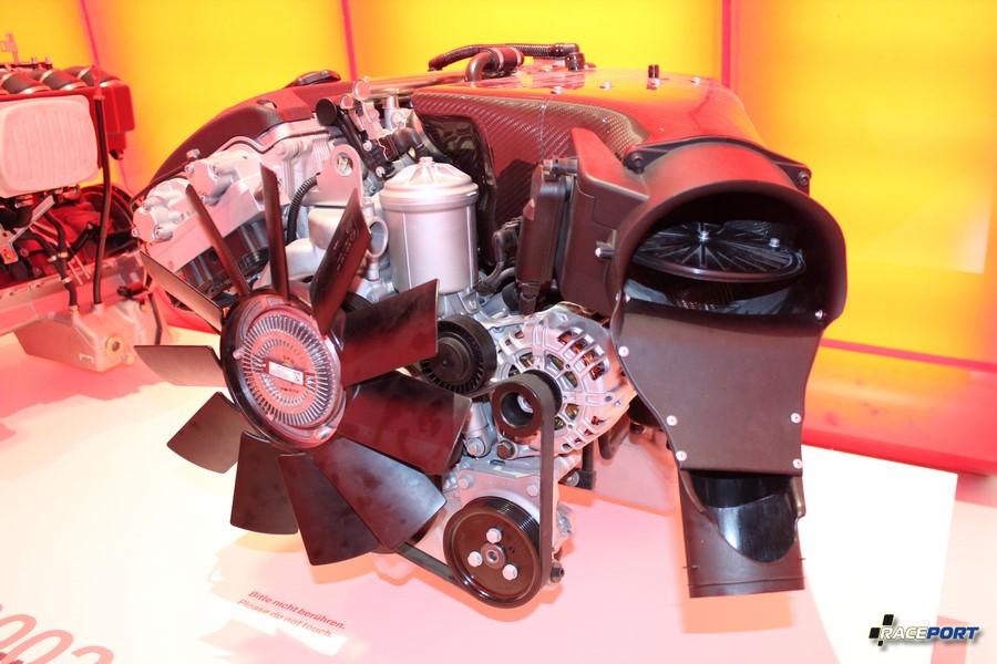 Двигатель S54B32 от лимитированной версии BMW M3 CSL в кузове E46.