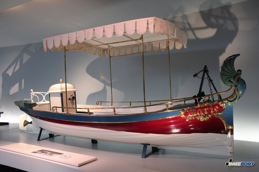"1888 Daimler Motorboot ""Marie"""