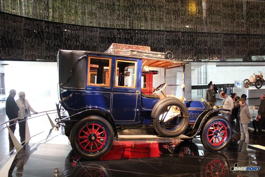 1909 Benz 20/35 PS Landaulet. 4цил. 5195 куб см. 35 л.с. 1400 об/мин. Макс. скорость 75 км/ч