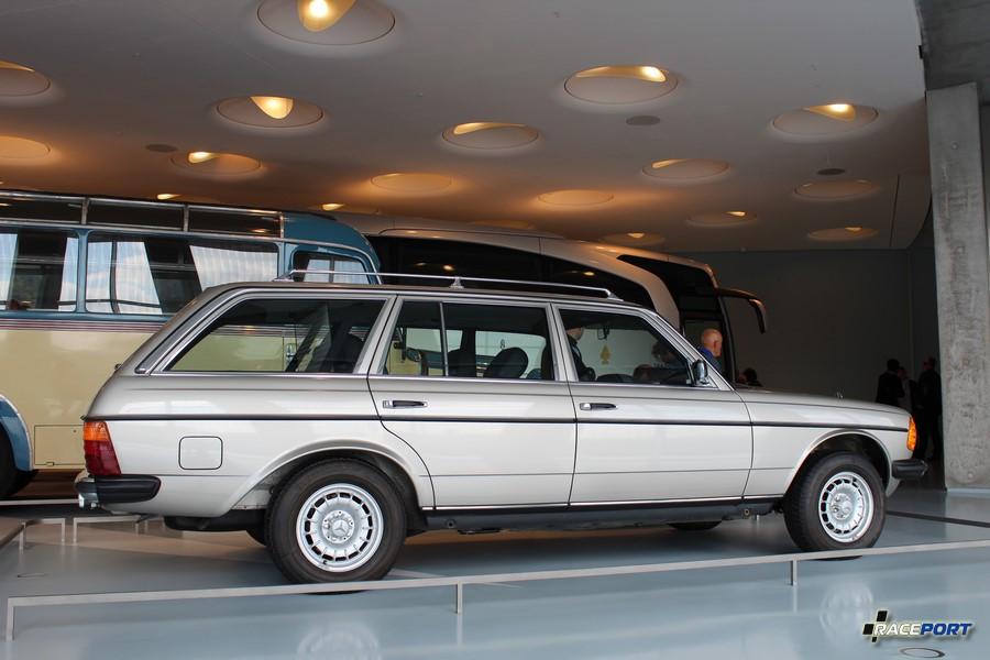 1985 MB 300 TD - 5цил. 2998 куб см. 88 л.с. 4400 об/мин. Макс. скорость 155 км/ч Выпущено 36874 экземпляров
